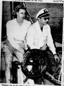 ハバードと第二夫人のサラの写真
